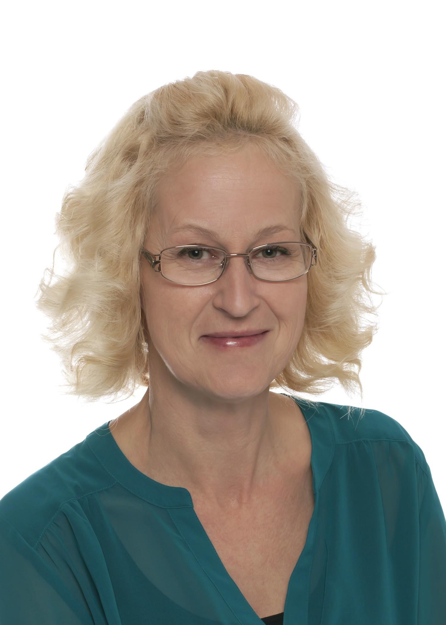 Michelle  Elder
